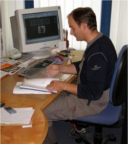 Lehrgang zum Fertigungsplaner kombiniert Präsenzveranstaltungen mit Selbstlernphasen am PC Bild: Tischler NRW