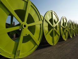 Die Spezial-Kabeltrommeln sind bereit für den Transport. Foto: Borkener Kistenfabrik/HPE