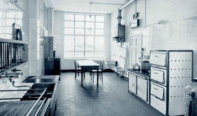 Typische Kücheneinrichtung der 1920er Jahre. (Foto AMK)
