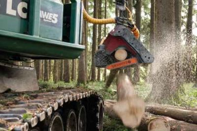 Bodenschonende Holzernte mit Raupenharvester