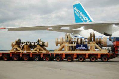 Maßgeschneiderte Verpackungen für den Warenversand mit dem Flugzeug. Foto HPE