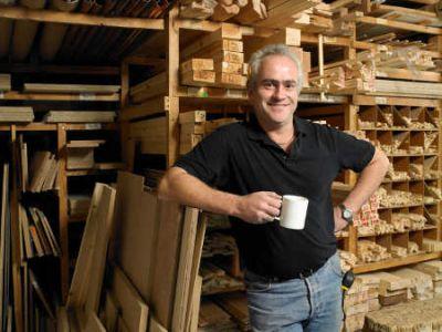 Holzlager in der Werkstatt  © Michael Blann Digital Vision Thinkstock