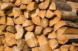 Gespaltenes Brennholz