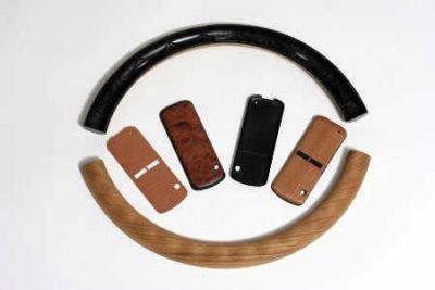 Handyhüllen oder Lenkradverkleidungen gibt es aus dem schönen Naturmaterial Foto  IFN Furwa Furnierkanten