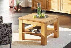 Mit einem Massivholzmöbel aus Kirschbaum wird ein ästhetischer Anspruch vermittelt