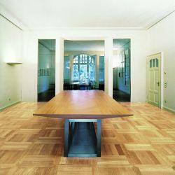 fu b den aus echtholz haben eine lange tradition. Black Bedroom Furniture Sets. Home Design Ideas