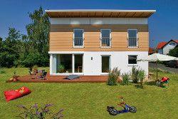 Fertighäuser haben eine vielfältige Architektur und werden nach Bauherren-Wunsch geplant (Quelle: Regnauer/BDF)