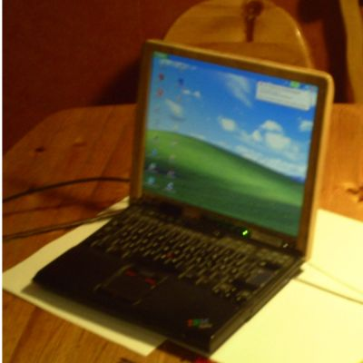 Laptop Holz 1.3