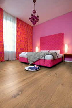 fu b den aus echtholz gibt es seit vielen jahrhunderten. Black Bedroom Furniture Sets. Home Design Ideas